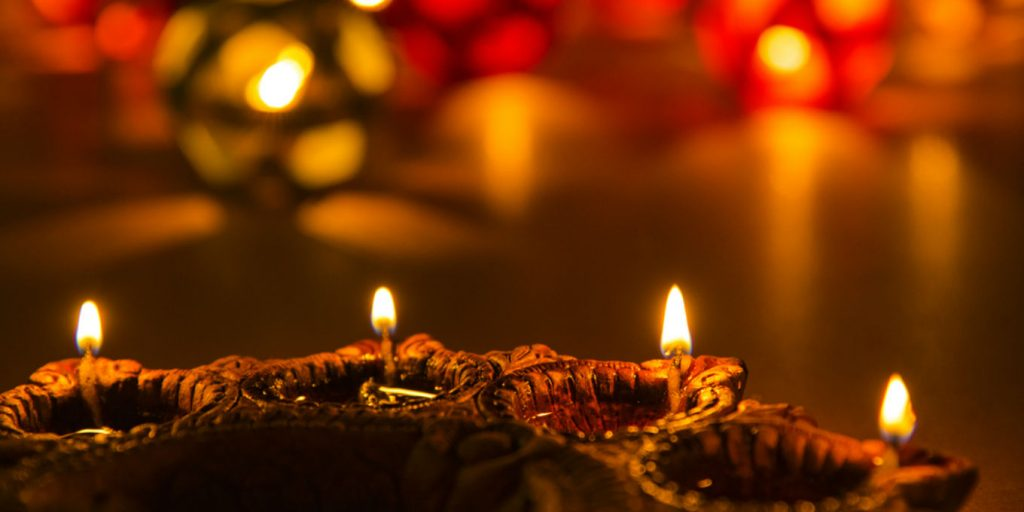 Top 8 Perfect Diwali Gifts You Can Gift To Your Parents