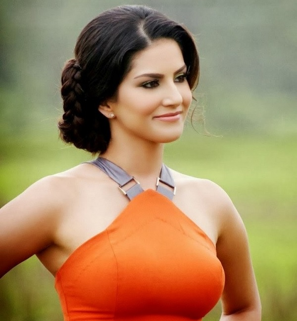 Sunny Leone Cyber Stalking