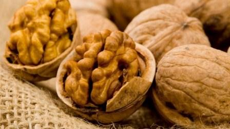 Health Benefits Of Eating Walnuts